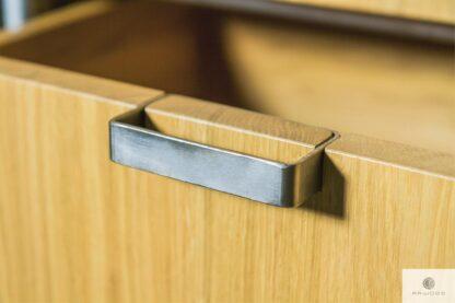 Dębowa komoda w industrialnym stylu do sypialni HUGON