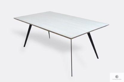 Dębowy stół do jadalni z drewnianym białym blatem i czarnymi metalowymi nogami VITA