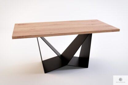 Industrialny stół z dębowym blatem na metalowej podstawie do jadalni DALIA