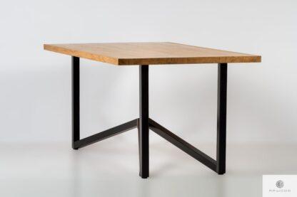 Stół z dębowym blatem na metalowych nogach do jadalni INDRA