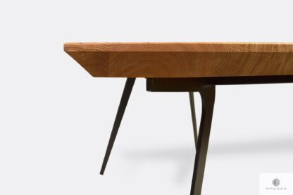 Stół z dębowym blatem podciętym szwajcarskie podcięcie VITA