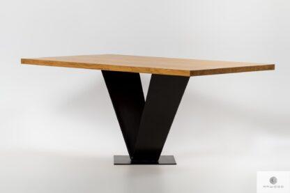 Stół z naturalnego drewna dębowego i czarnej stali TOSCA