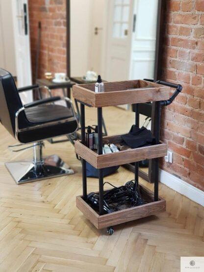 Industrialny wozek fryzjerski na kolkach z drewna litego Producent Mebli RaWood Premium Furniture