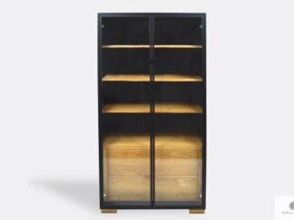Designerska witryna z drewna litego do salonu CARLA