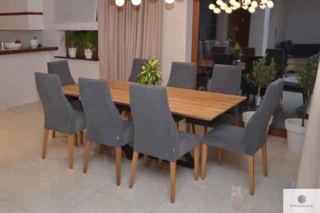 Dębowy stół industrialny na metalowej podstawie do jadalni BORNEO