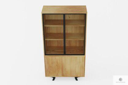 Dębowa witryna z drewna litego i stali loftowa industrialna do jadalni VITA