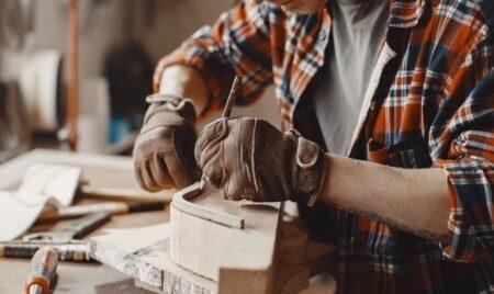 Meble: Handmade czy produkcja masowa? PLUSY I MINUSY